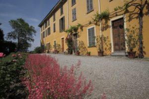 La facciata di Villa Corti