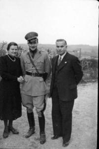 1942 - Eugenio Corti e i genitori 02